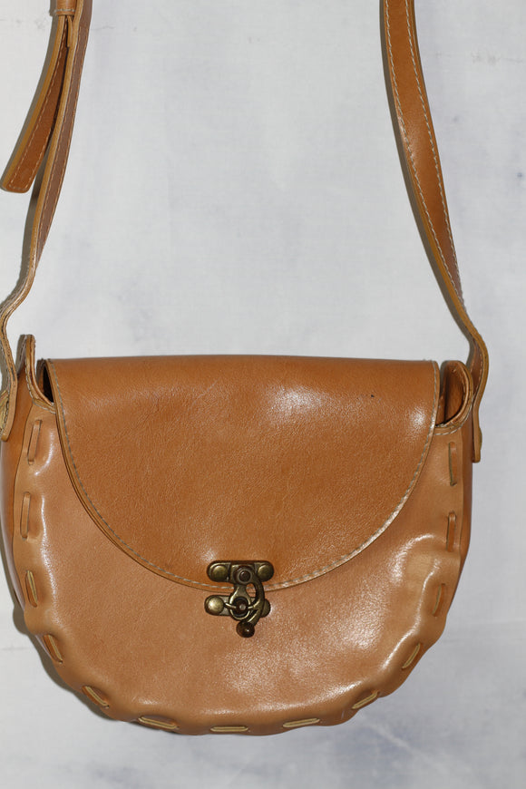 Vintage Nine West Leather Canteen Handbag