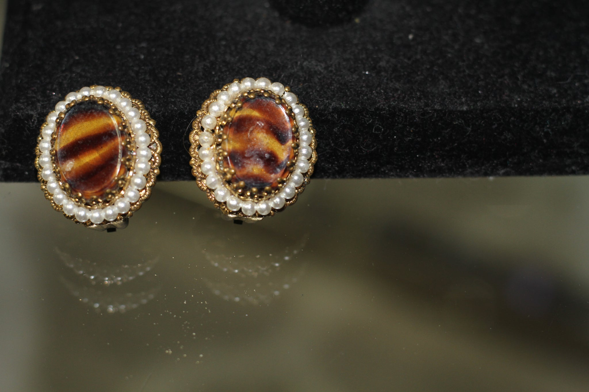 1940's W. Germany Antique Clip on Earrings *Excellent Condition