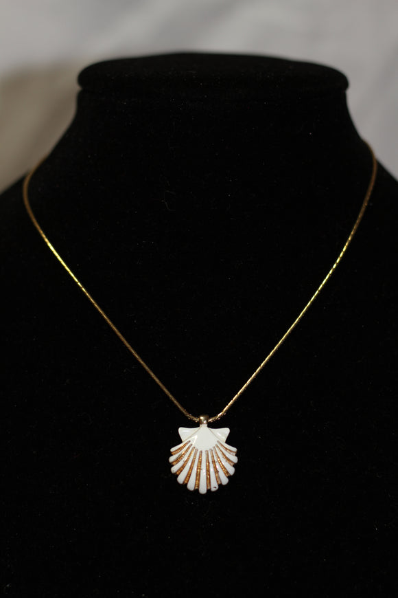 White & Gold Sea Shell Necklace