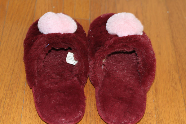 House Shoes- Slippers *Excellent Condition (7-8)