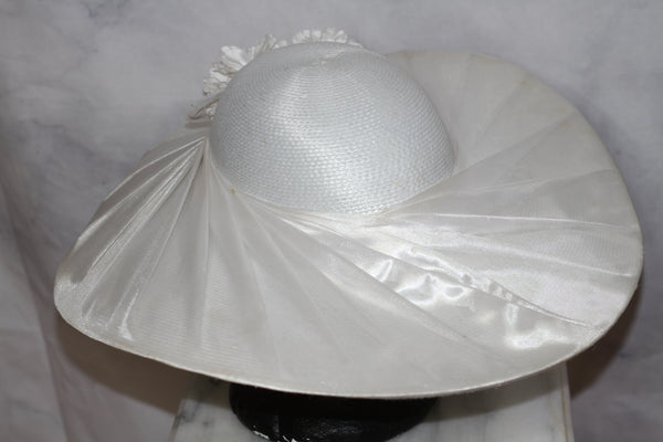 Winter White Lace Wide Brim Hat