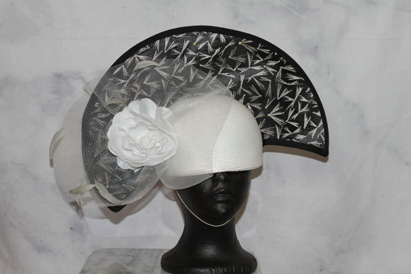 Black & White Feather Fascinator Hat (7 3/4)