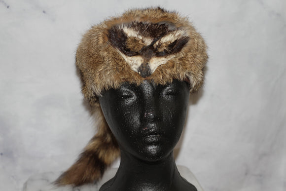 Raccoon Fur Coonskin Hat with Raccoon Tail