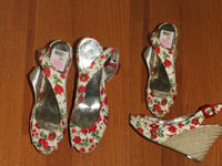 Guess By Marciano Red & White Floral Wedge Sandals 8 1/2 *Excellent Condition