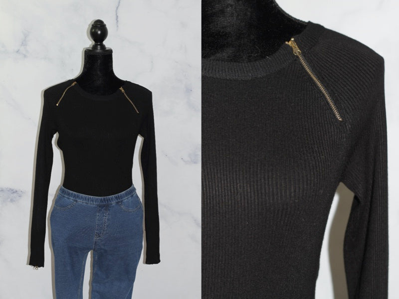 Carmen Marc Valvo Black Sweater Top (S)