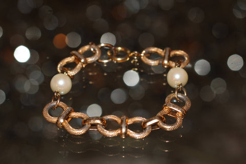 Vintage Gold Plated & Pearl Bracelet. Free Shipping