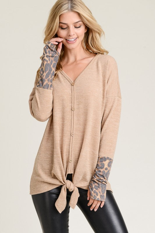 Falls Favorite Leopard thumb hole top (tan)