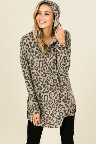 Falls Favorite Leopard thumb hole top ( Grey)