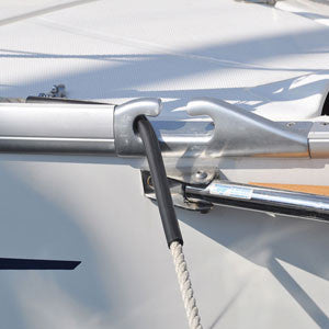 Does the Spiroll reduce the sound in the mooring cleats?