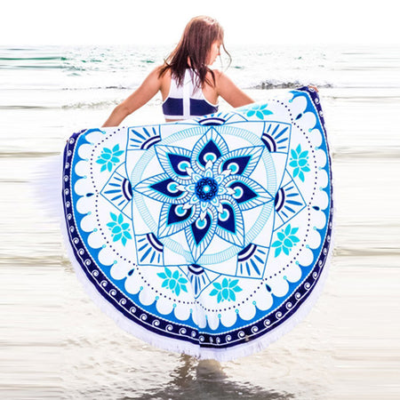 Black & White Trianglular Design Mandala Tassel Blanket
