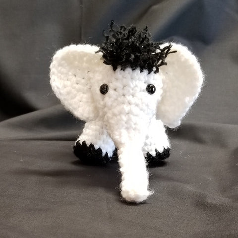 CC035 Crochet Elephant - Trinkets & Things Handmade with Aloha