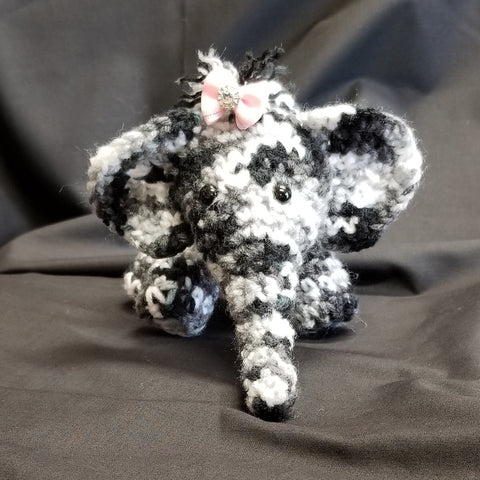 CC037 Crochet Elephant - Trinkets & Things Handmade with Aloha
