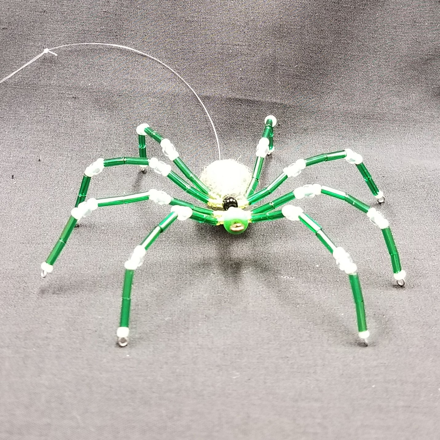 M157 Beaded Christmas Spider - Trinkets & Things Handmade with Aloha