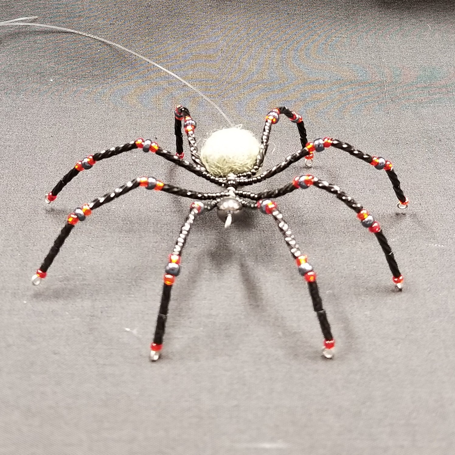 M145 Beaded Christmas Spider - Trinkets & Things Handmade with Aloha