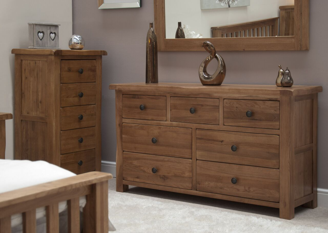 Rustic Oak 7 Draw Chest Of Drawers