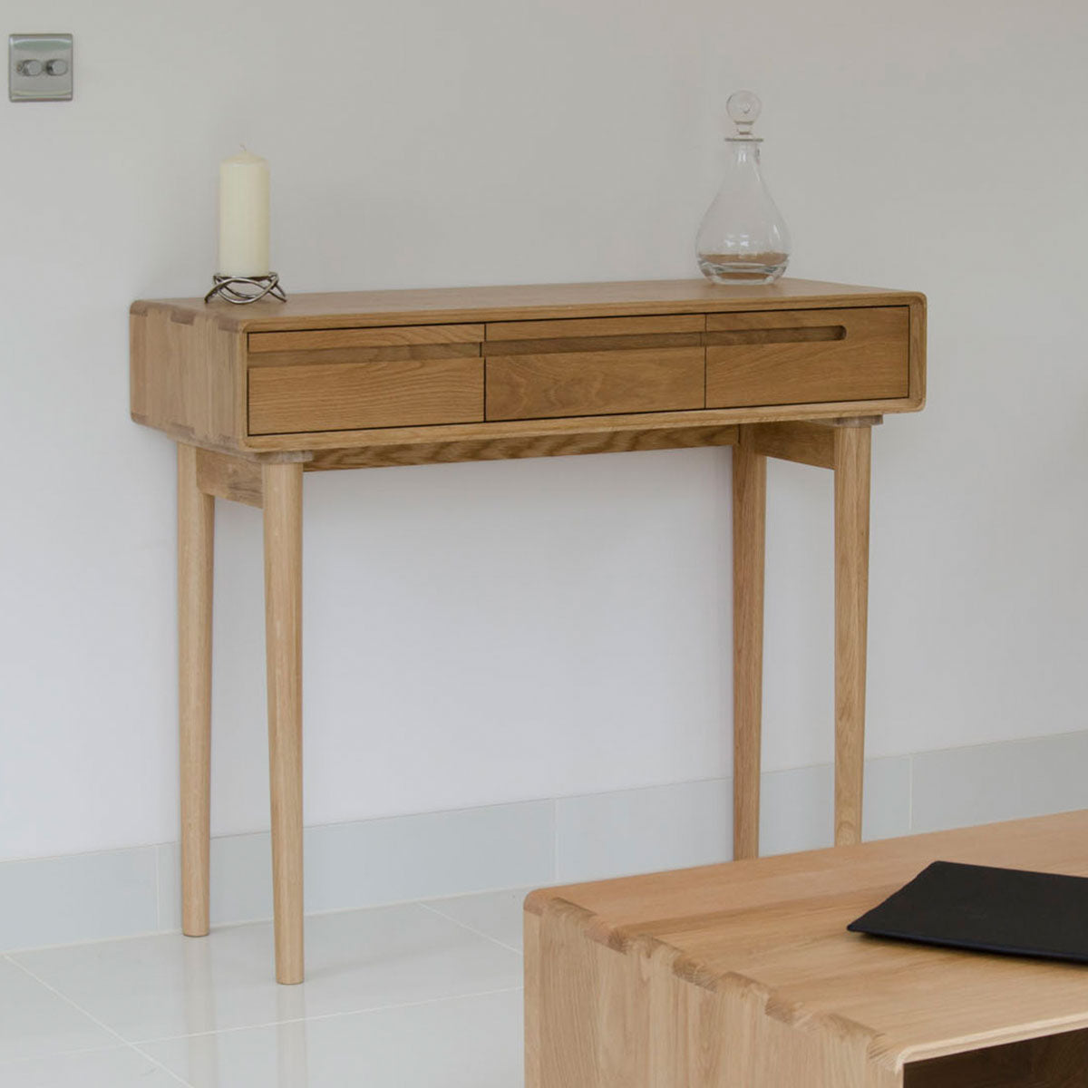 Scandic Oak Hall Table