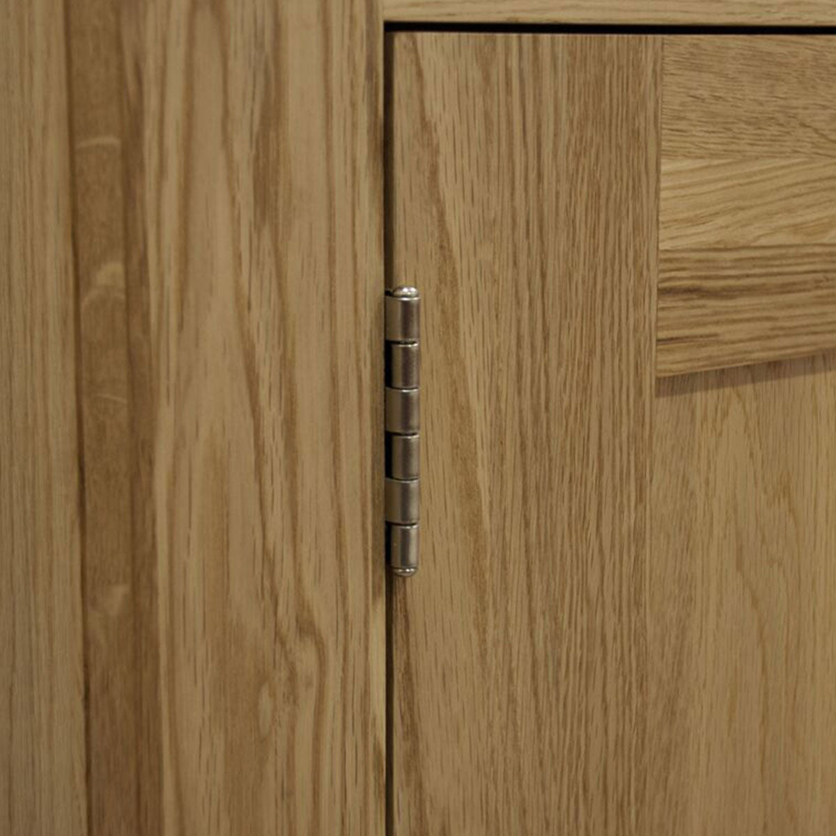 View Here The Pure Quality Of The Valencia Deluxe Oak Range