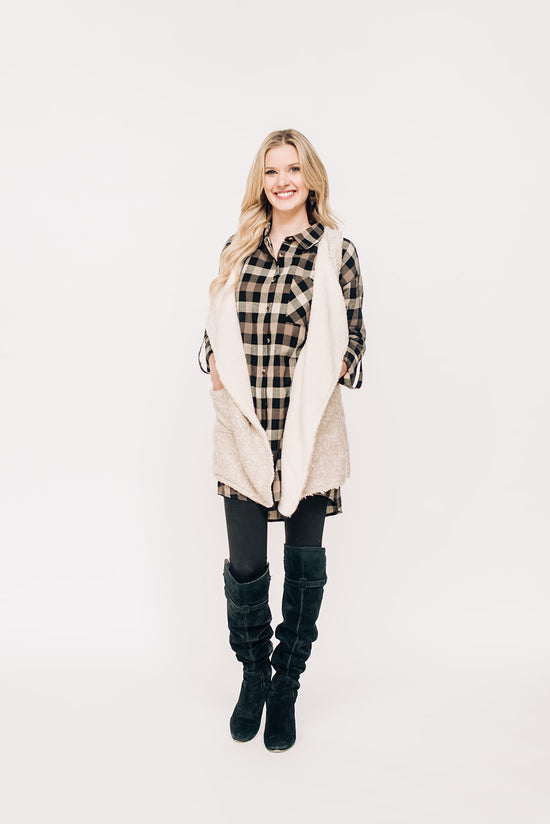 161986e7fcb6 Oatmeal Vest with Fur Lining