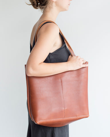 Shopper Tote in Whiskey Brown