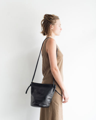 Bucket Bag with zipper
