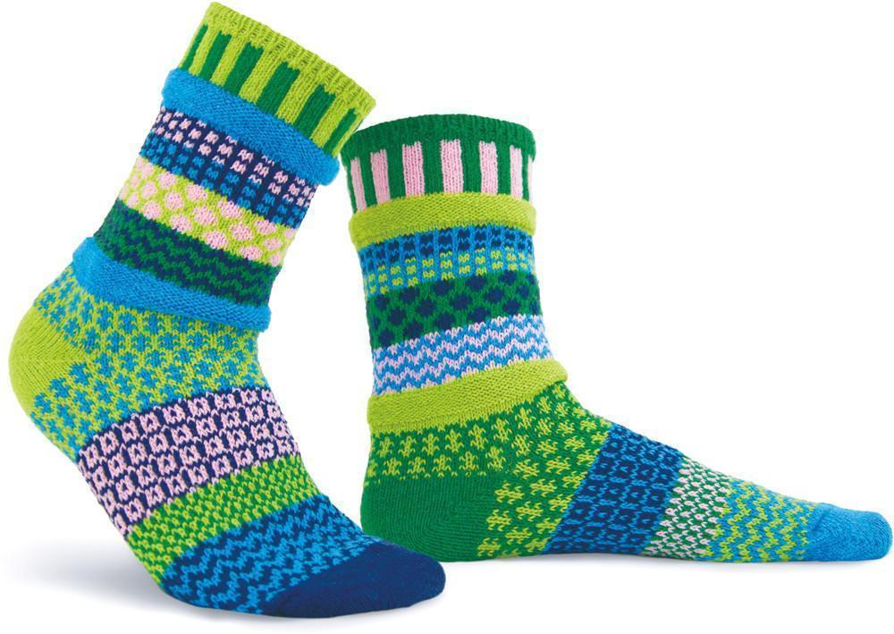 Solmate - Water Lily Crew Socks | Women's - Knock Your Socks Off