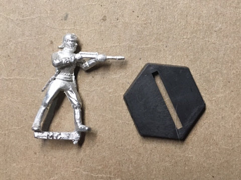 B5 RPG Centauri Republic guardsman figure (aiming rifle)