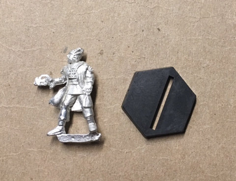 B5 RPG Minbari Federation guard figure (with pistol, fluttering cloak)