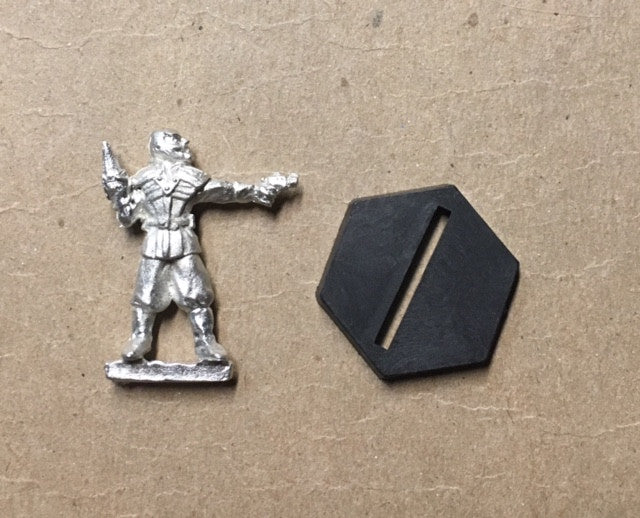 B5 RPG Narn Regime warrior figure (with pistol and knife)