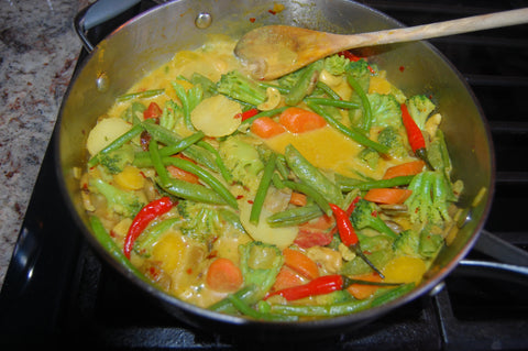 vegetable curry, cooking with avocado oil, neomega avocado oil