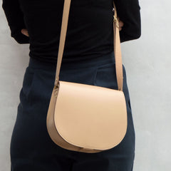 Wilby beige cork saddlebag