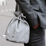 Magnethik misty grey bucket bag