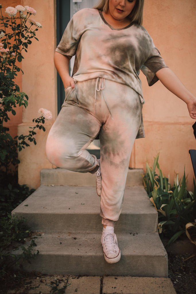 Forgotten Dreams Tie Dye Joggers In Taupe - Everest & Co.