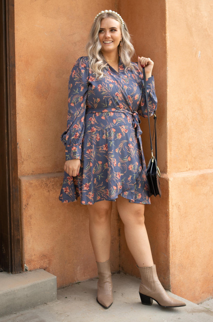 Own The Night Floral Dress - Everest & Co.
