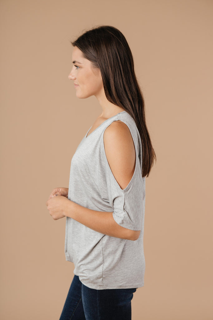 Split The Check Top In Heather Gray - Everest & Co.