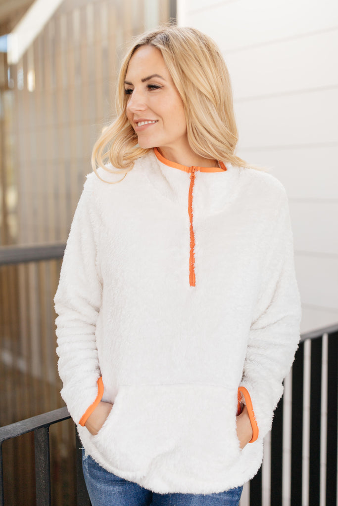 Still Keepin' Warm Pullover - Everest & Co.