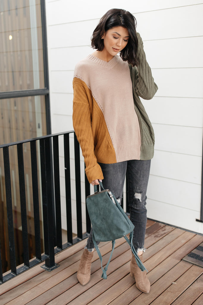 A Sweater With Colors in Taupe - Everest & Co.