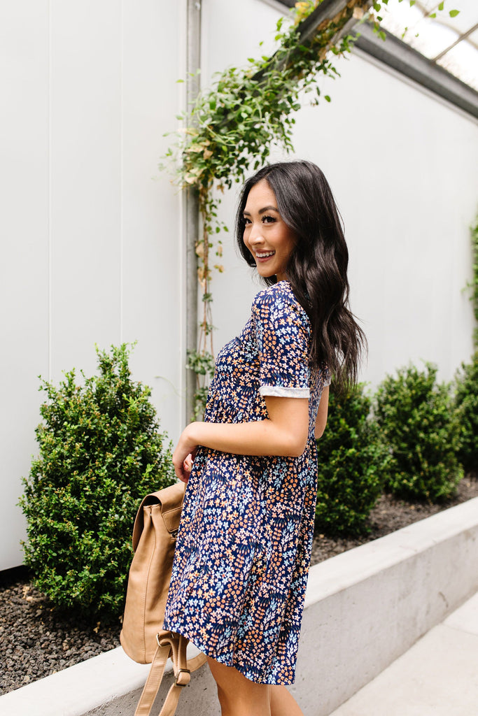 Clusters of Flowers Dress In Navy - Everest & Co.