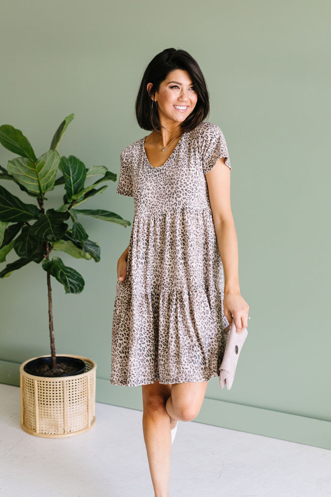 Fading Spots Dress - Everest & Co.