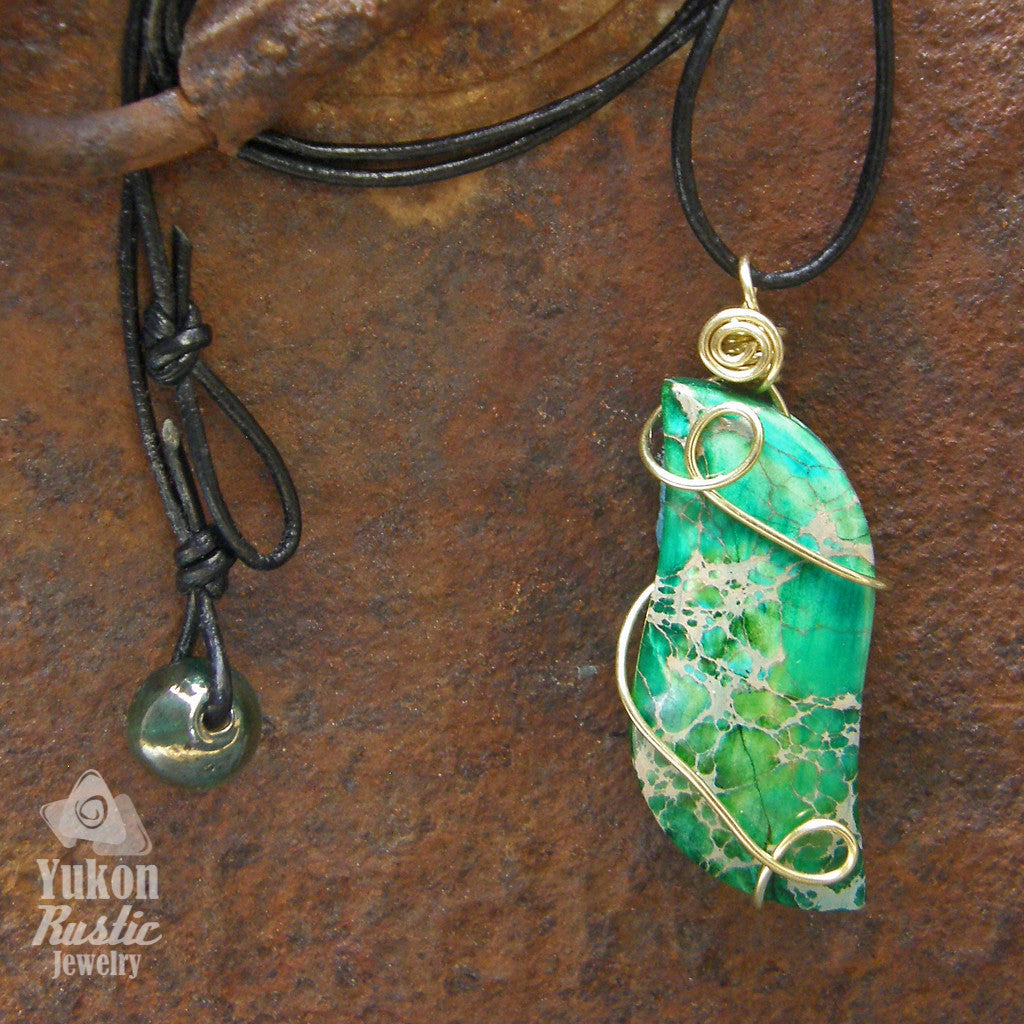 Sea Sediment Varisote Green Jasper Cabochon (gold wire)