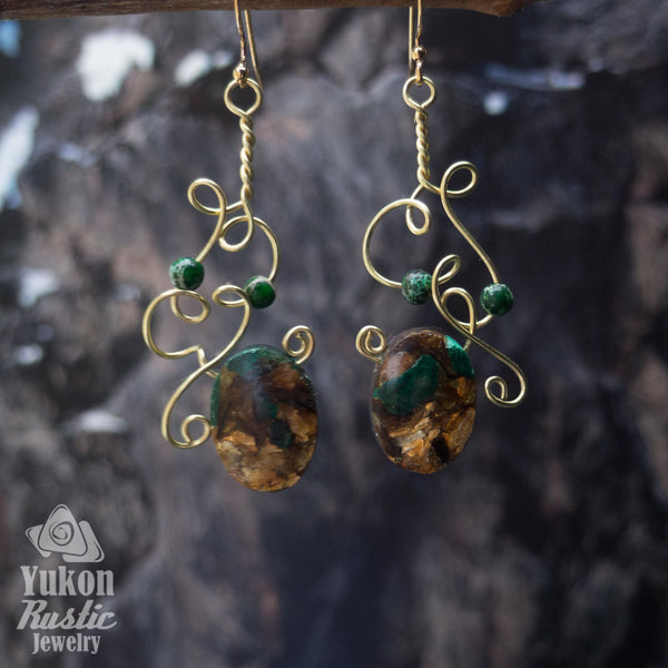 Green Varisote Sea Sediment Gemstone Earrings (gold wire)