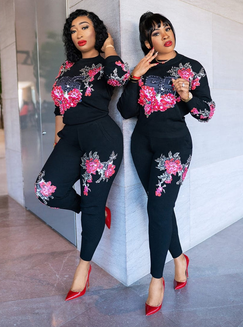 Queen Up- 2 pcs Beaded Sweater Tracksuit Set (NEW)