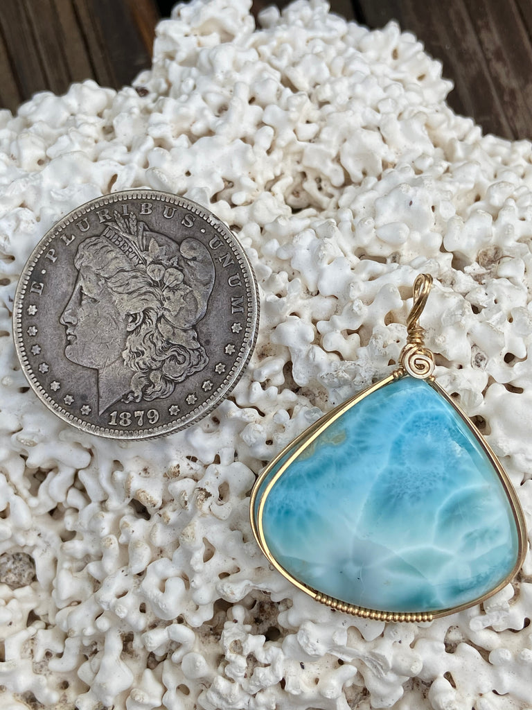 High Grade Larimar pendant wrapped in gold - Moonbow Tropics