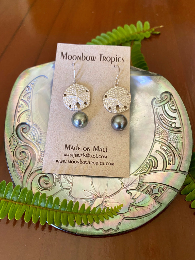 BLACK TAHITIAN PEARL SAND DOLLAR EARRINGS - Moonbow Tropics