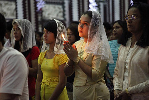 Christians in Yangon at Christmas