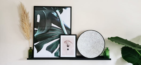 Wall mounted lacquer bowl