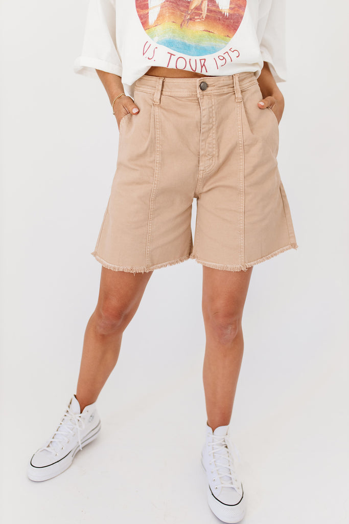 gia shorts // taupe