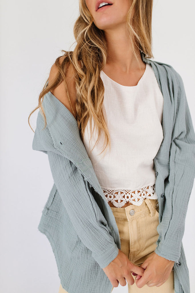 tom button down // mint