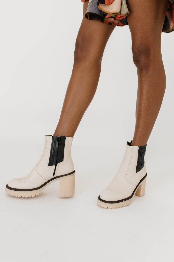 james chelsea boot in white // free people *restocked*