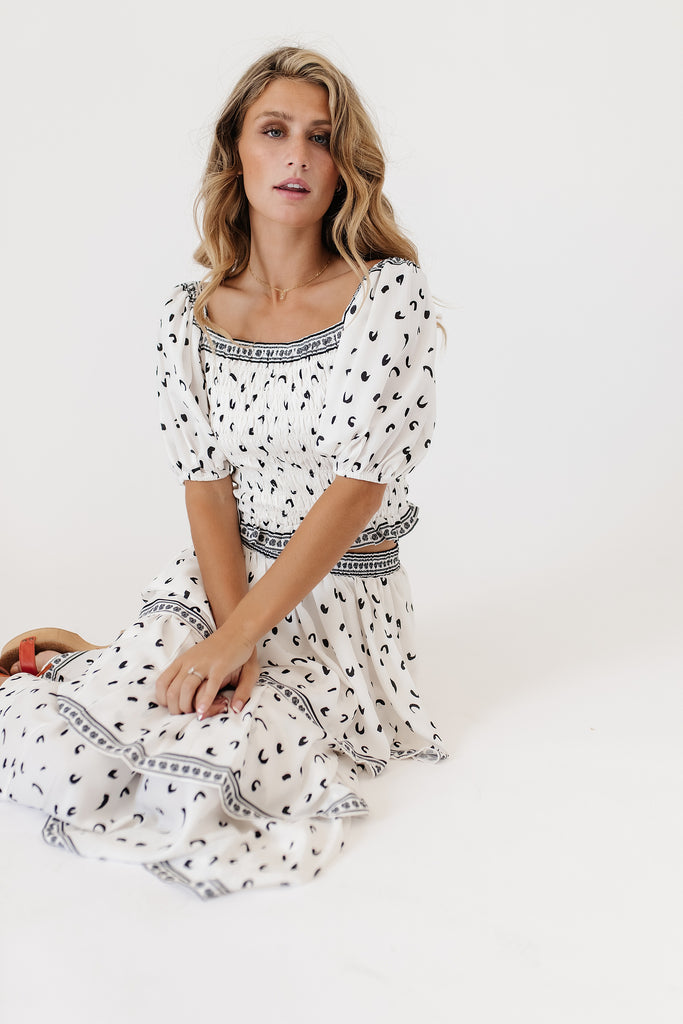 dotty set // white