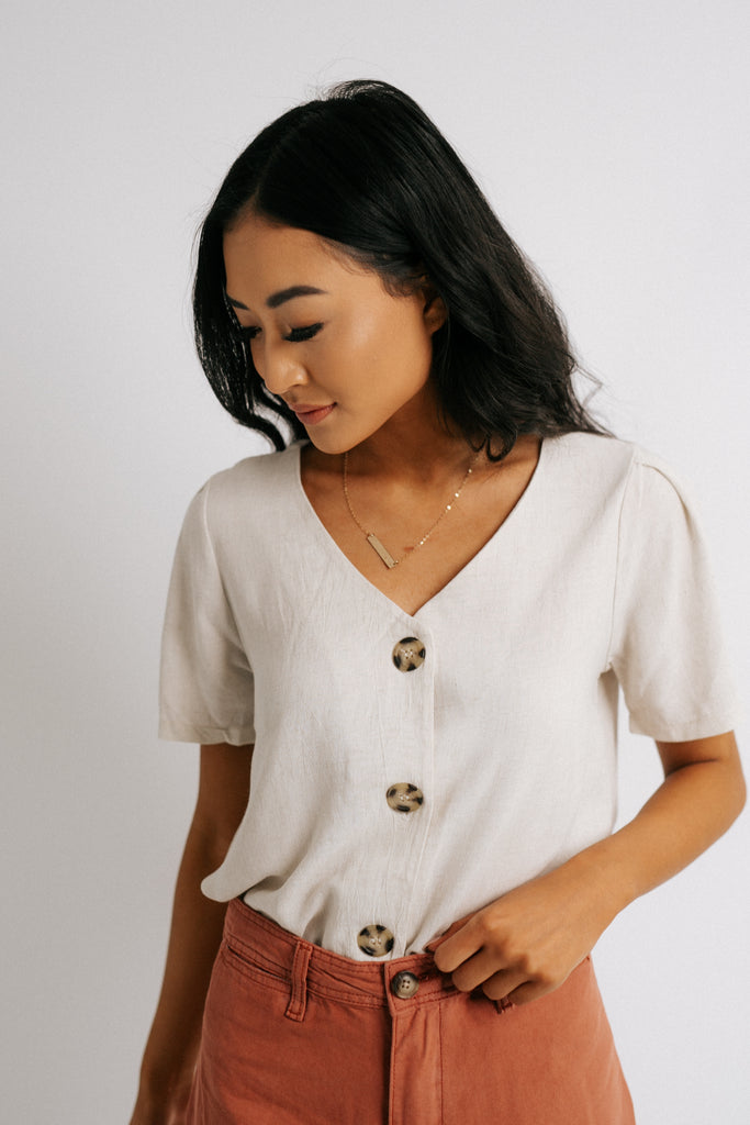 mary button top in oatmeal